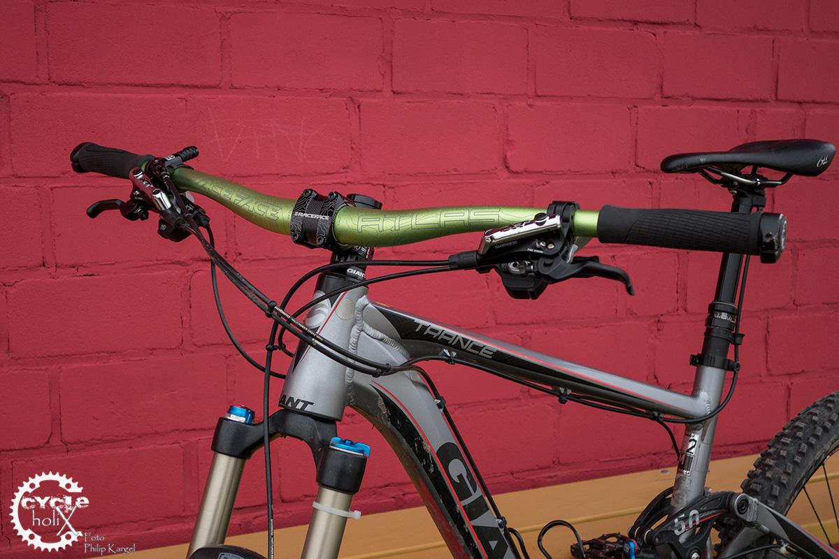 test race face atlas 35 cycleholix. Black Bedroom Furniture Sets. Home Design Ideas