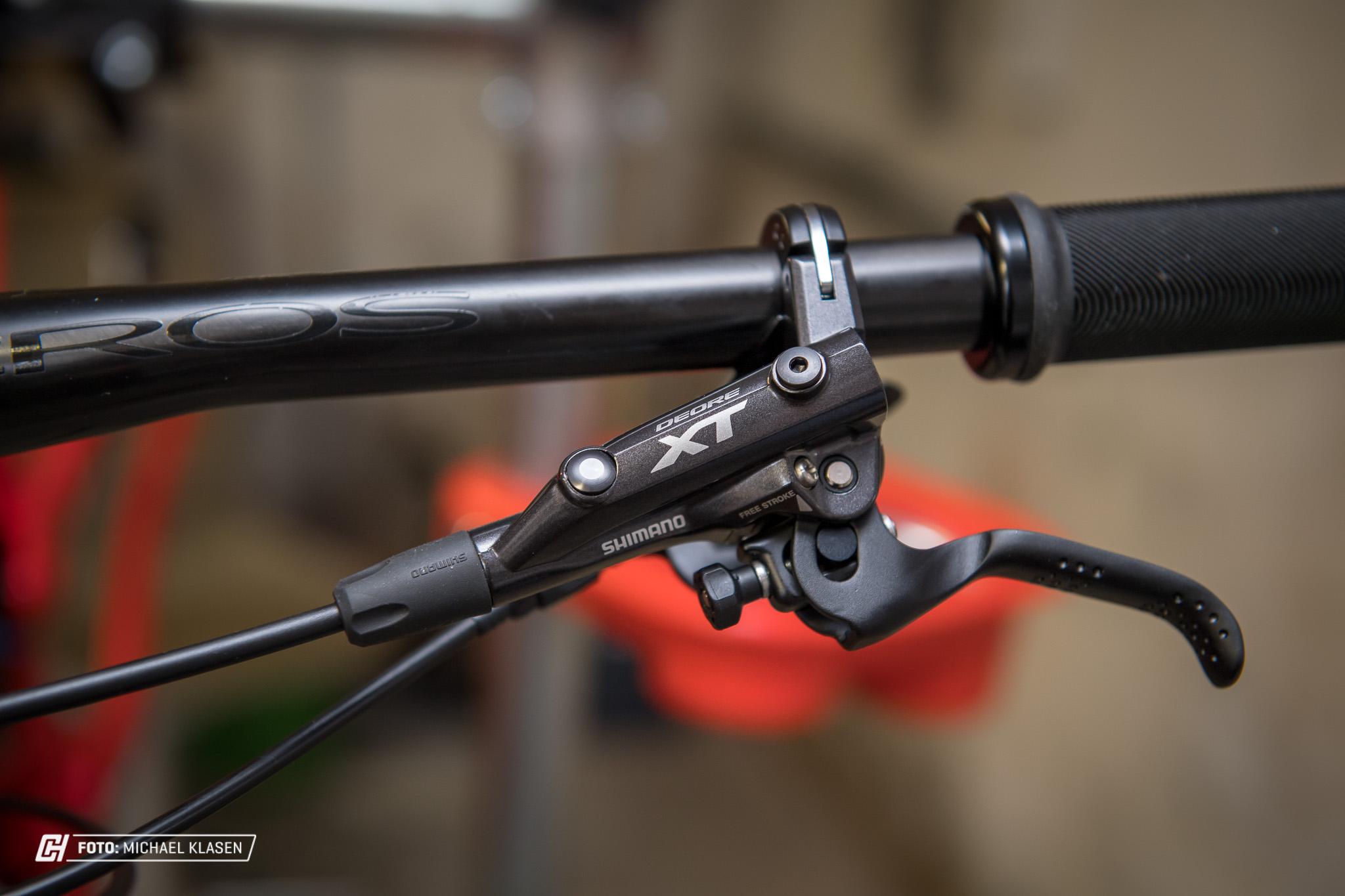 aufbaustory enduro race bike shimano xt bremsen cycleholix. Black Bedroom Furniture Sets. Home Design Ideas