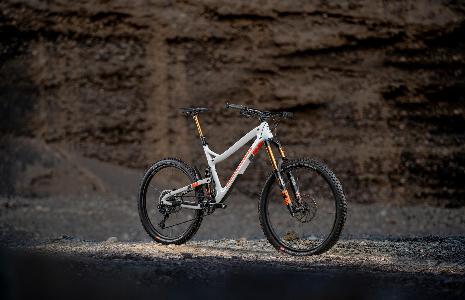 Tyee Carbon 2019 moongrey 3